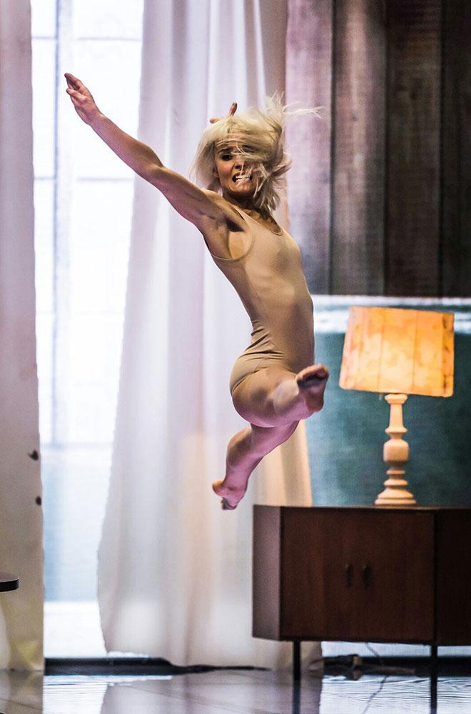 Chrissy Brooke - Dancing
